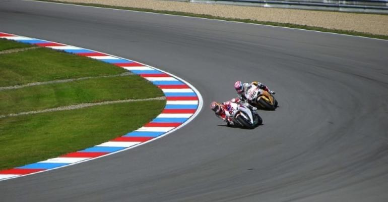 motorcycle track racing