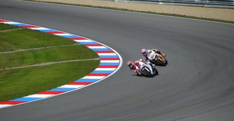 motorcycle track racing