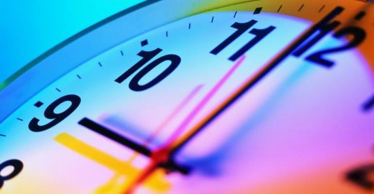 clock showing 9 oclock