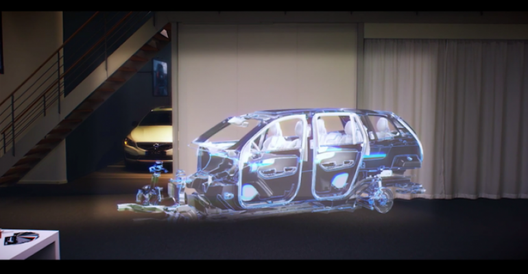 HoloLens video provides real example of the users FOV