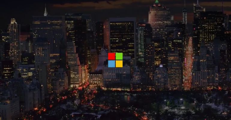Microsoft Store employees spread holiday cheer to Apple Store counterparts